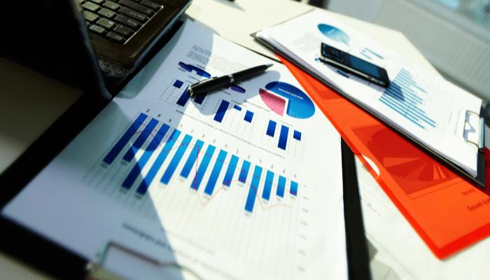 Kansainvälistyvän yrityksen taloustoiminnot